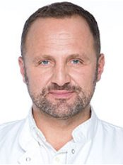 Dr Nick Milojevic -  at Milo Clinic-London