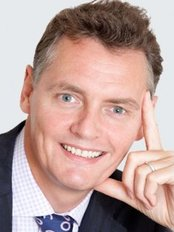 Dr Miles Berry - Surgeon at New Look Cosmetic Surgery