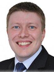 Dr Darren Lewis - Consultant at The Beauty Gurus Ltd