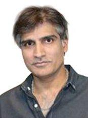 Dr Vik Vijh - Consultant at The Beauty Gurus Ltd