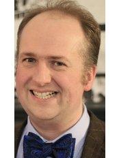 Mr Chris Cartlidge - Mr Chris Cartlidge FRCSEd