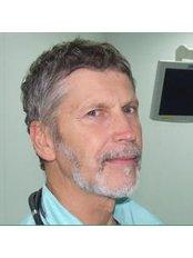 Dr Lazun Alexander - Doctor at Plastic Surgery Center