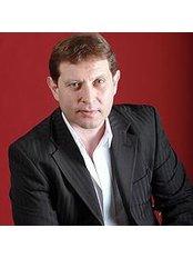 Dr Mikhail Myl'nikov - Surgeon at Dr. Mozart Clinic