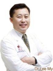 Dr Lee Myung Ju - Doctor at ST Viko Clinic