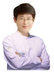 Dr Ro Young Woo - Doctor at ST Viko Clinic