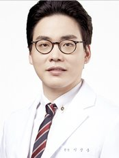 Dr Lee Sang Woo - Doctor at ST Viko Clinic