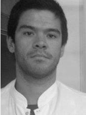 Dr Nicolás Amado - Dentist at Dental Matters - Recoleta