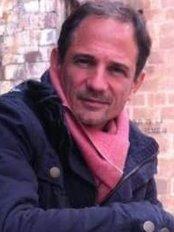 Dr Roberto Acuto - Doctor at Dental Surgeons Buenos Aires