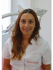 Dr Candela Barrera - Principal Dentist at SALUD ODONTOLOGICA INTEGRAL