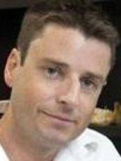 Dr Richard Harris - Oral Surgeon at Intraface - Bowen Hills