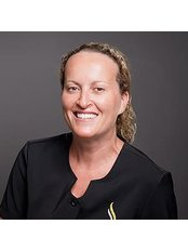 Dr Alison Robinson - Dentist at Geelong Smile Studio