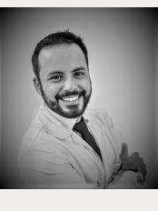 Prof. Dr. Rowan Vilar - Dental Implants and Venners Specialist - Dr Rowan Vilar