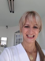 Ms Jane Mourad - Dentist at Mourad Odontologia