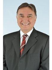 Dr MarcosRoberto Soares - Dentist at COS - Clinica Odontologica Soares