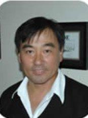 Dr Nilton Oyama - Doctor at Dall'Oca Odontologia - Unidade Campo Belo