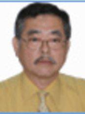 Prof Takashi Miyata -  at Sokchea Dental Clinic - Sihanouk Ville