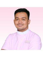 Dr Dara Narith - Dentist at Roomchang Dental & Aesthetic Hospital