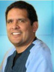 Dr Luis Castro - Dr Luis Castro