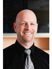 Mr Morgan Ganetsky - Denturist at Minuk Denture Clinic and Denture Implant Centre