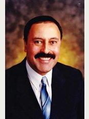 Dr. Oscar Dalmao DPC - 1437 Dundas St. E, Mississauga, L4X 1L3,