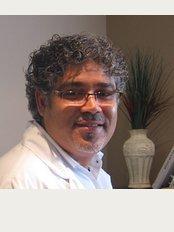 Sean Denture and Implant Centre - 712 St. Laurent Boulevard, Ottawa, Ontario, K1K 3A5,