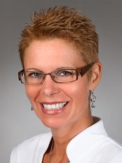 Diane Martel -  at Aura Clinique Dentaire Élite
