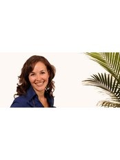 Anissa Guenfoud - Dentist at Dumont and Gagnon