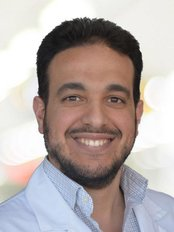 Dr Islam Shaat - Dentist at Maloclinic Antony Carbery - Montreal