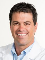 Dr Antony Carbery - Dentist at Maloclinic Antony Carbery - Montreal