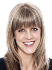 Dr Julie Moreau - Dentist at Poirier Tremblay