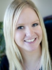 Ms Courtney Braaten -  at Fresh Dental