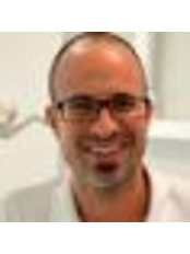 Dr Jordi Hernandez Bethencourt - Dentist at Clínica Dental Tirma López