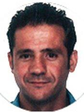 Dr Arturo Ortega Rodríguez - Dentist at Clinica Bajo