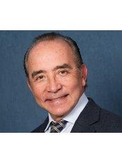 Dr Oscar Muguerza - Dentist at IGCH Dental
