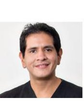 Dr David Perez - Dentist at Mora and Valdez  Advance Dentisry