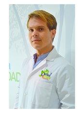 Dr Martín Quesada Araya - Dentist at Clear Choice