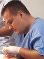 Clinica Dental de Ortodoncia - paso ancho, de la rotonda la guacamaya 400mts sur, sobre calle principal, san jose, san jose paso ancho,  0