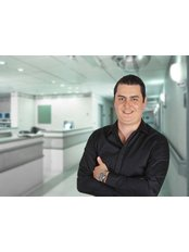 Dr Alejandro Freer - Dentist at Dental Specialties CR