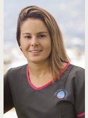 Dr Juliana Castro Lapeira - Dr. Juliana Castro Lapeira