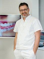 Dr. Srdan Marelic - Kieferorthopäde - Marelić Praxis für Kieferorthopädie