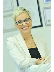 Nina Varljen Nikolic - Doctor at Art Dental