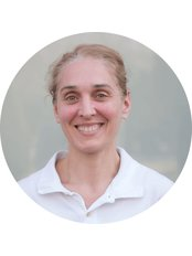 Dr Elizabeta  Brkljača Vuletić - Dentist at Dentech