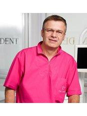 Dr Zoran Milicic - Dentist at Tim Dent Miličić
