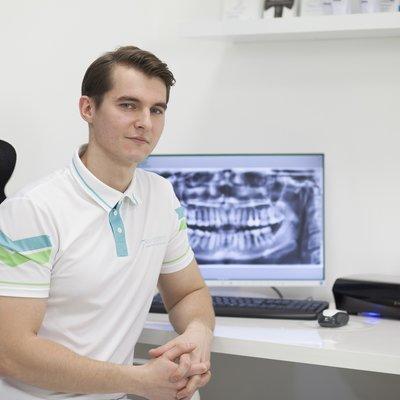 Dr Denis  Gavrikov