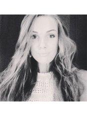 Miss Rosmari Marrandi - Receptionist at Cardens Hambaravi