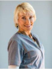 Ms Nina - Dental Auxiliary at Cabinet dentaire du Dr Cédric Boileau