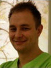 Dr Philipp Hoffmann - Dentist at Aesthetica clinic
