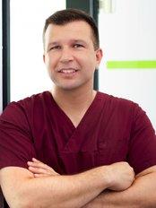 Dr Jürgen Öztan - Dentist at Belegpraxis der Zahnklinik Ost - Karlshorst
