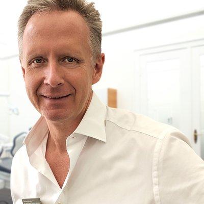 Dr Marcus Nowak