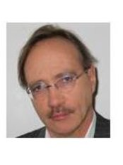 Dr Peter Gore Flos - Dentist at Department of Oral and Maxillofacial day surgery